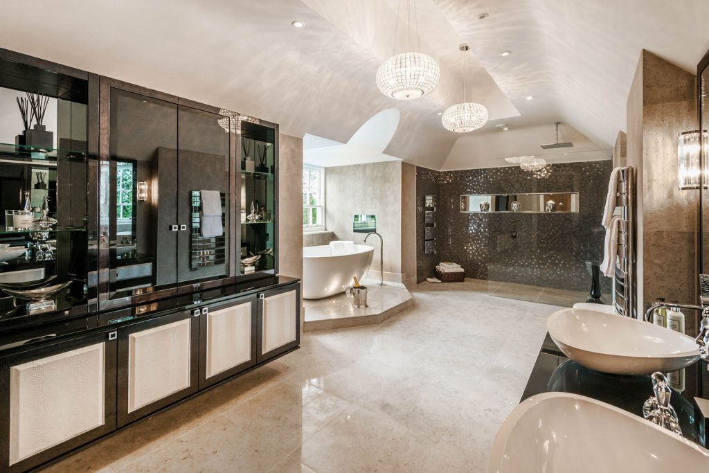 Luxury Bathroom (1)