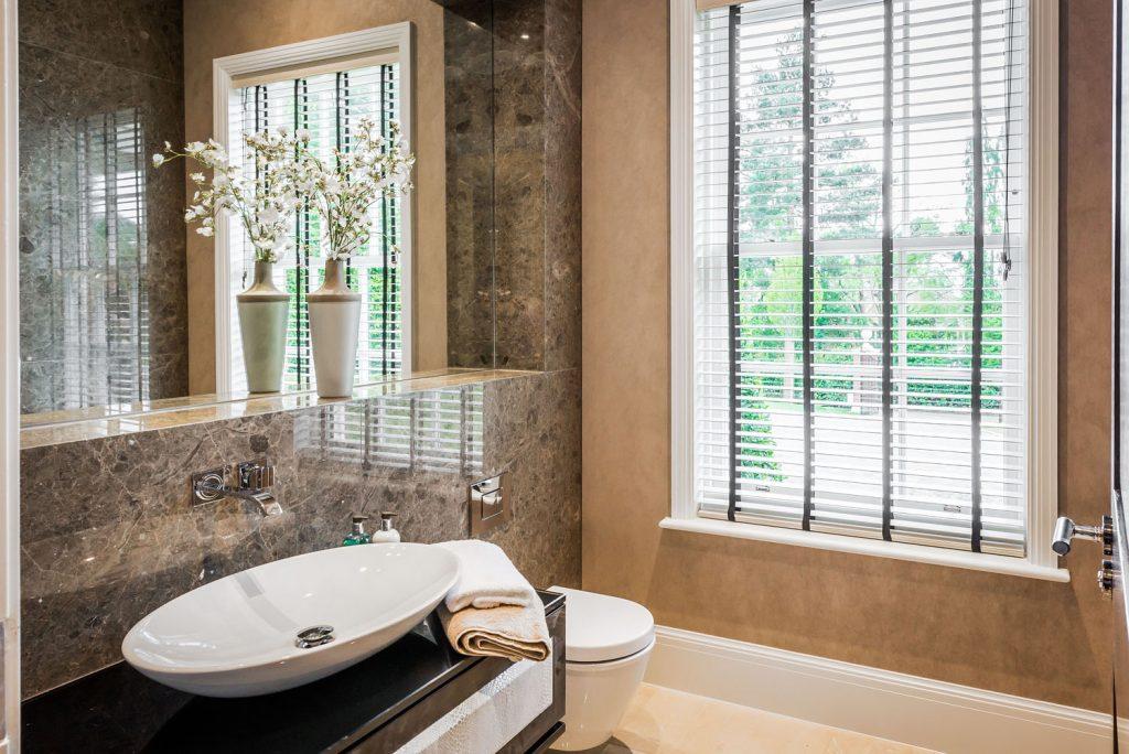 Luxury Bathroom (15)