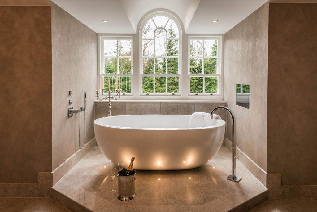 Luxury Bathroom (2)