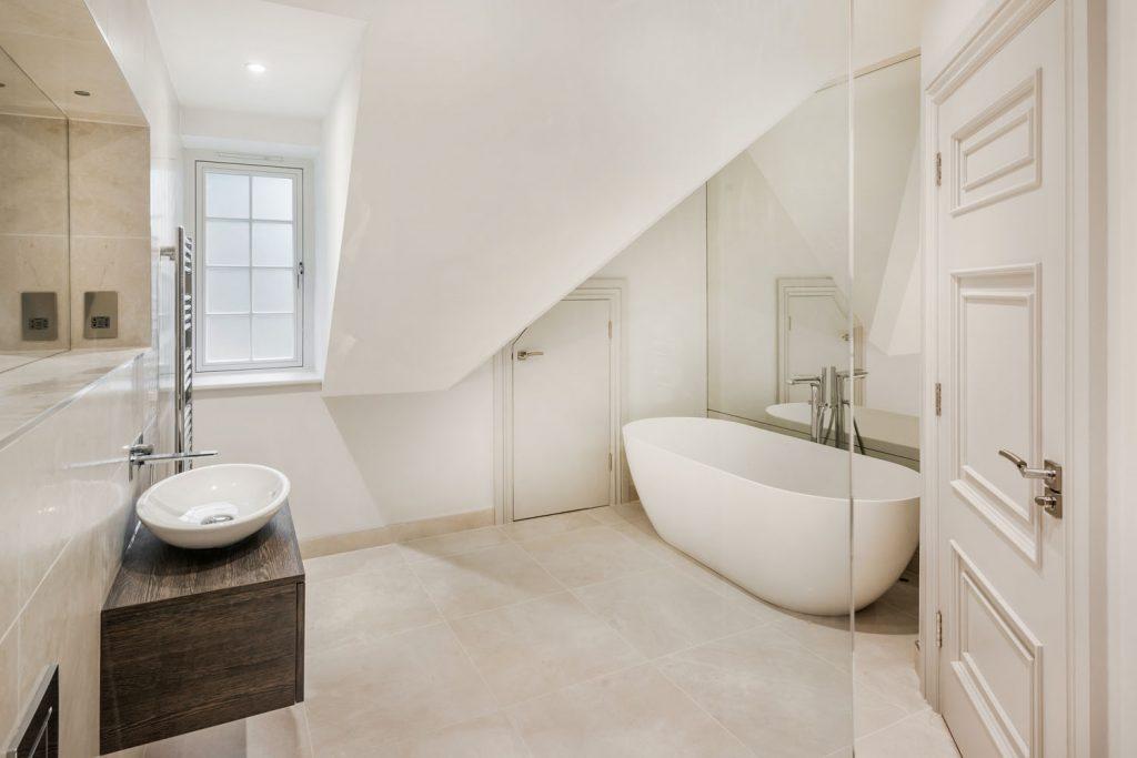 Luxury Bathroom (26)