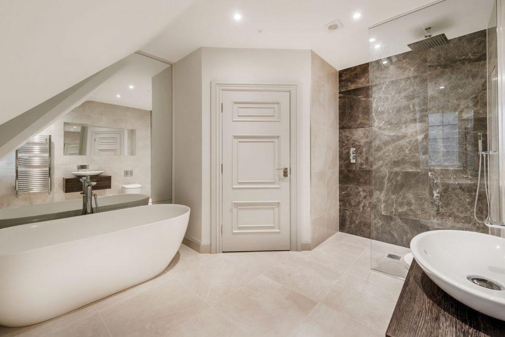 Luxury Bathroom (28)