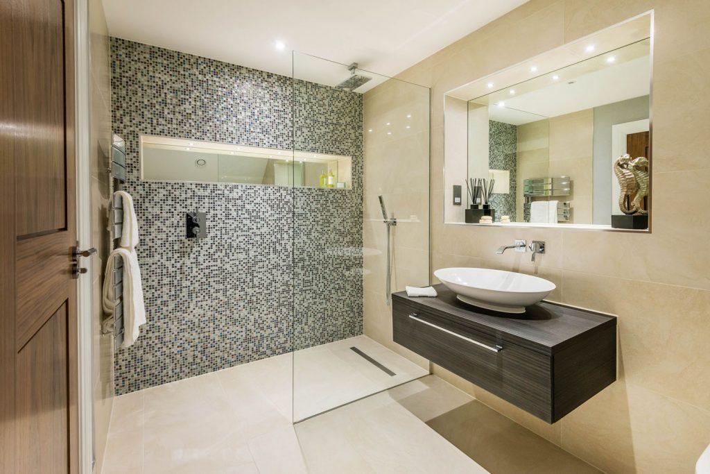 Luxury Bathroom (35)