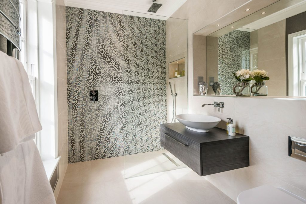 Luxury Bathroom (37)