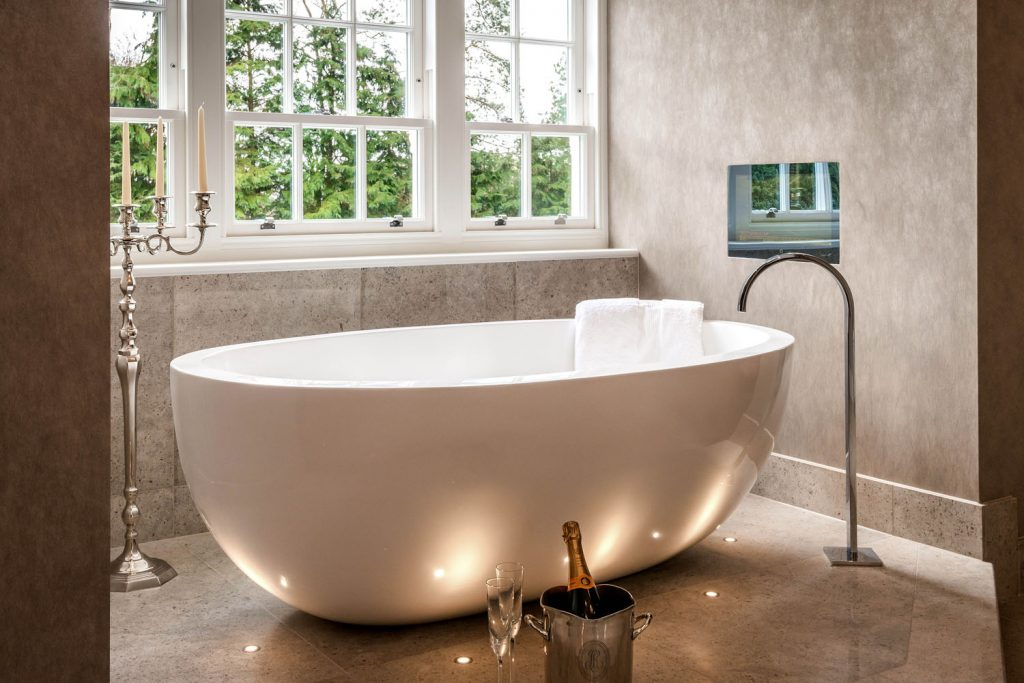 Luxury Bathroom (4)