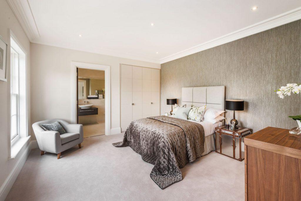 Luxury Bedroom (25)