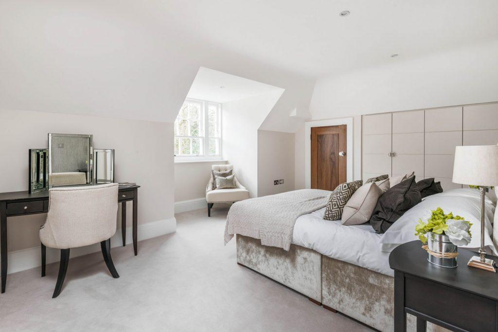 Luxury Bedroom (4)