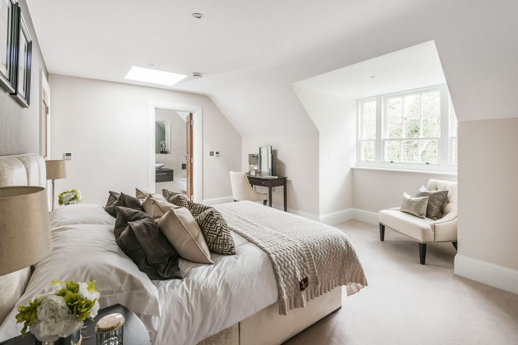 Luxury Bedroom (5)